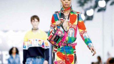 Photo of طلبة الكلية الملكية للفنون في لندن يبتكرون أزياء صديقة للبيئة