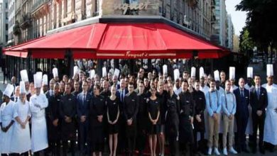 Photo of مطعم فوكيه الفاخر في باريس يعود بعد تعرضه للتخريب خلال شغب «السترات الصفراء»
