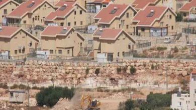 Photo of اسرائيل توافق على بناء 700 مسكن لفلسطينيين وستة آلاف وحدة سكنية استيطانية في الضفة الغربية