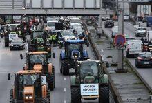 Photo of فرنسا: المزارعون بعد «السترات الصفراء» يغلقون طرقات باريس