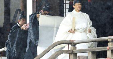 Photo of إمبراطور اليابان يقضي الليل مع إلهة الشمس في آخر مراسم التتويج