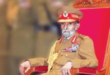 Photo of السلطان قابوس يرعى في العيد الوطني العرض العسكري بقاعدة سعيد بن سلطان البحرية
