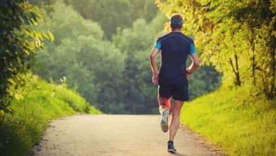 Photo of المشي 15 دقيقة إضافية يومياً يعزز الاقتصاد العالمي