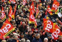 Photo of فرنسا: الإضراب احتجاجاً على خطة ماكرون لإصلاح نظام التقاعد في يومه الثاني