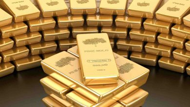 Photo of الذهب ينزل بفعل قوة الدولار وبيانات صينية إيجابية