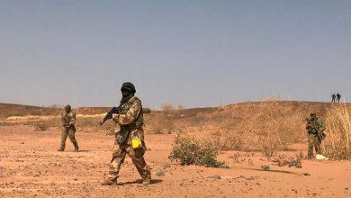 Photo of عشرات القتلى والجرحى والمفقودين في هجوم على معسكر للجيش النيجري