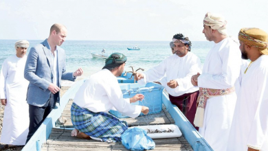 Photo of دوق كامبريدج يزور مركز العلوم البحرية والسمكية العماني ويقف على طبيعة مهامه العلمية