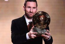 Photo of كرة القدم: ميسي يفوز بجائزة الكرة الذهبية للمرة السادسة