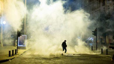 Photo of الاشتباكات الليلية مستمرة وغضب عارم في الشارع… #لبنان_ينتفض بعدسة إميلي ماضي
