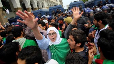 Photo of الطلاب يتظاهرون في الجزائر من أجل «انتقال ديمقراطي»