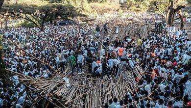 Photo of مقتل 10 وجرح مئة بانهيار منصة خشبية خلال مهرجان في اثيوبيا