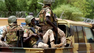 Photo of الجيش المالي: مصرع 20 جندياً في هجوم واسع للجهاديين