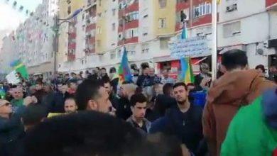 Photo of مظاهرات عارمة بمدينة خراطة الجزائرية تخليداً للذكرى الأولى للحراك الشعبي: ماذا تحقق؟