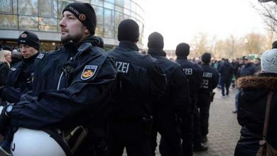 Photo of ألمانيا تشدد الإجراءات الأمنية بعد إصابة 60 شخصاً في حادث دهس