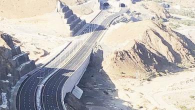 Photo of شبكة طرق عملاقة وحديثة تمد شرايين التنمية إلى كل محافظات سلطنة عمان