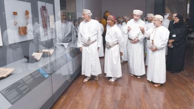 Photo of شهاب بن طارق يدشن قاعة التاريخ البحري بالمتحف الوطني العماني