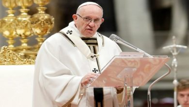 Photo of البابا فرنسيس يدعو الى وقف للنار في مناطق النزاعات لحماية المدنيين من كورونا