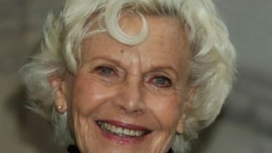 Photo of رحيل «فتاة بوند» أونور بلاكمان عن 94 عاماً