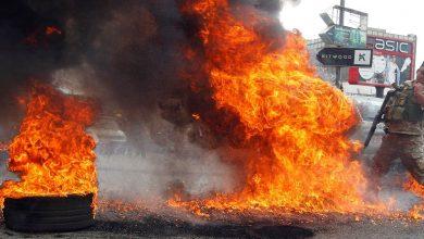 Photo of مواجهات في طرابلس بين قوات الأمن ومحتجين على تدهور الأوضاع الاقتصادية وقفال المصارف