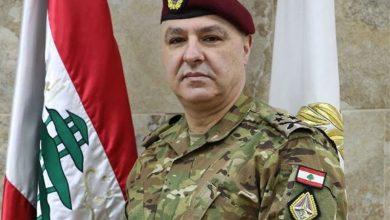 Photo of دياب وقائد الجيش يوجهان التحية لملائكة الرحمة في يوم التمريض العالمي