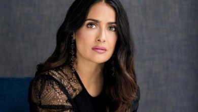 Photo of سلمى حايك تقود حملة لمكافحة العنف الأسري في ظل قيود كورونا