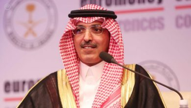 Photo of السعودية ترفع نسبة ضريبة القيمة المضافة وتوقف بدل غلاء المعيشة بسبب كورونا