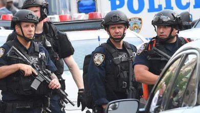 Photo of إقالة أربعة شرطيين أميركيين بعد وفاة رجل أسود ضغط أحدهم على عنقه بركبته