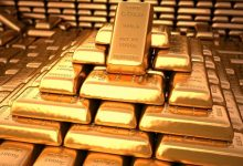 Photo of الذهب يهبط لكن يبقى بنطاق ضيق مع تأثر الأسهم بالقلق من موجة ثانية