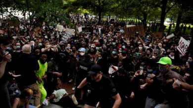 Photo of عشرات الآلاف يتظاهرون في هيوستن تكريماً لذكرى فلويد وردود فعل دولية شاجبة الجريمة