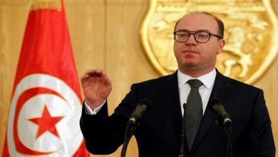 Photo of الفخفاخ يقدم استقالته ويفجر ازمة سياسية في تونس