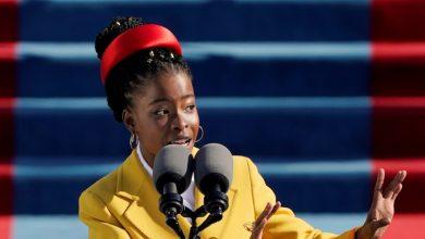 Photo of أماندا غورمان شاعرة سوداء شابة تخطف الأضواء في حفل تنصيب بايدن