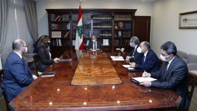 Photo of عون عرض مستقبل العلاقات اللبنانية – الاميركية مع شيا