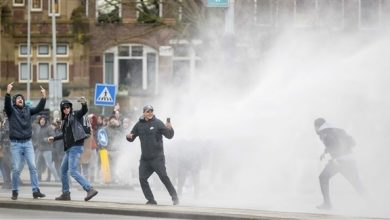 Photo of تجدد أعمال الشغب في هولندا بسبب حظر التجول وبايدن يتوقع المناعة الجماعية في الصيف