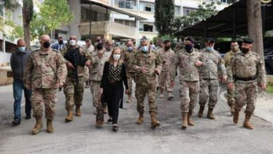 Photo of الجيش: السفيرة الكندية زارت اللواء اللوجستي