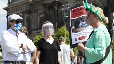 Photo of كورونا في العالم: رفع القيود في ألمانيا وبايدن يحذر من خطوة مماثلة في اميركا