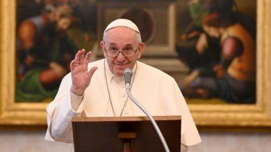 Photo of البابا للعراقيين: «أوافيكم حاجاً يسوقني السلام»