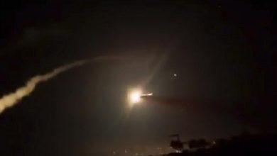 Photo of الدفاعات الجوية السورية تصدّت لصواريخ إسرائيلية فوق دمشق
