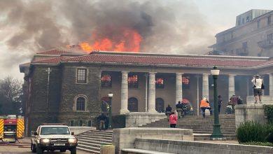 Photo of حريق كايب تاون يتجه نحو وسط المدينة ويؤدي إلى إجلاء سكان