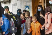 Photo of أكراد سوريا يسلمون روسيا 34 طفلاً يتيماً من أبناء مقاتلي داعش