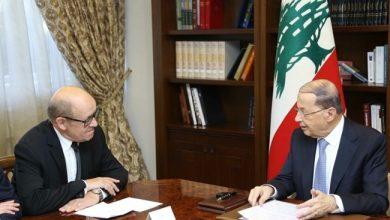 Photo of لودريان يبدأ زيارة للبنان في محاولة جديدة للضغط من أجل تشكيل حكومة