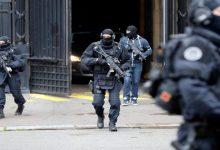 Photo of محاكمة سبعة أشخاص في باريس بتهمة السطو المسلّح
