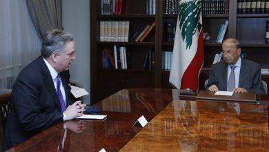 Photo of عون التقى ديروشيه وعرض معه آخر تطورات المفاوضات غير المباشرة لترسيم الحدود البحرية