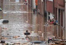 Photo of عاصفة شديدة وسيول من الوحل تجرف السيارات في بلجيكا وعاصفة في شوارع لندن