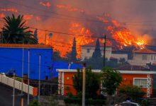 Photo of حمم بركانية تدمّر نحو مئة منزل في جزر الكناري وتدفع إلى إجلاء خمسة آلاف شخص