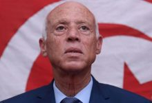 Photo of الرئيس التونسي يمدد تعليق البرلمان ويفرض تدابير جديدة والنهضة تعتبرها «إلغاء للدستور»