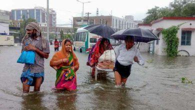 Photo of أكثر من مئة وستة عشر قتيلاً وعشرات المفقودين بسبب الفيضانات وانزلاقات التربة في الهند ونيبال