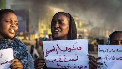 Photo of حملة قمع واسعة تستهدف معارضي الانقلاب في السودان بلينكن يندد والبرهان يقيل 6 سفراء