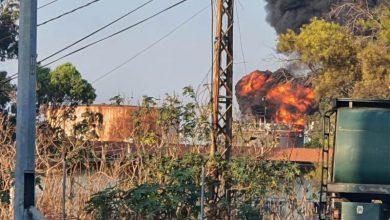 Photo of اخماد حريق ضخم في خزان وقود في الزهراني